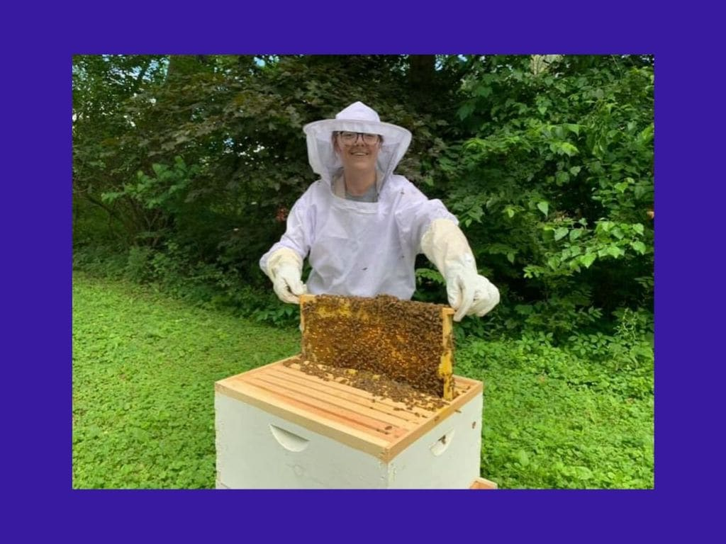 Picture of Donata Kalnenaite and her bees